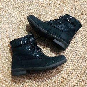 UGG Cecile waterproof boots 6.5